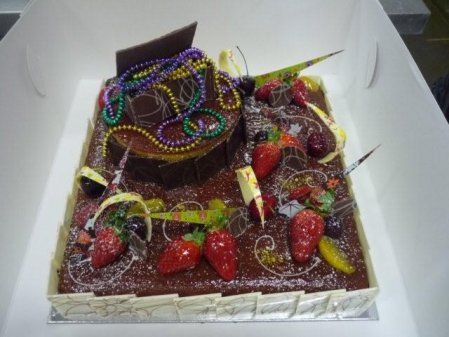 2-tier-mud-cake-with-treasure-chest