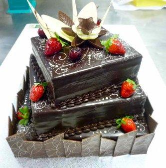 3-tier-mud-cake