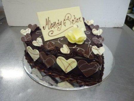 heart-shape-mud-cake