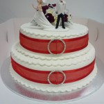 2 TIER WEDDING CAKE WITH PLASTIC ICING